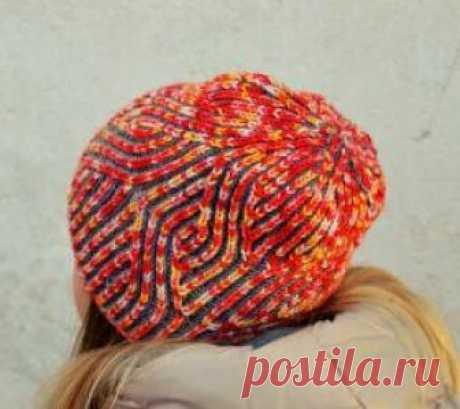 Шапка сердца в голове Яркая и оригинальная шапка спицами для женщин, выполненная из шерстяной пряжи средней толщины. Вязание модели осуществляется по кругу резинкой...