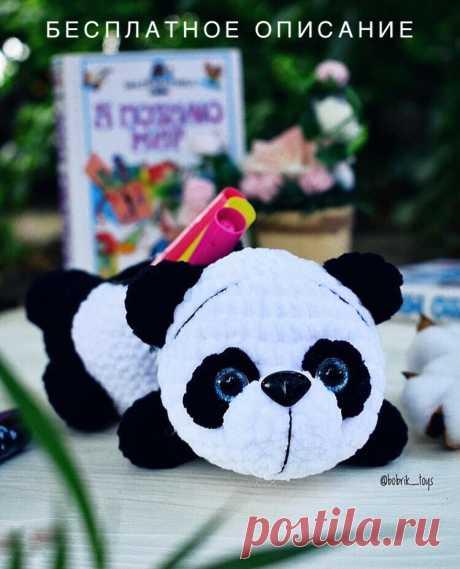 PDF Пенал Панда крючком. FREE crochet pattern; Аmigurumi doll patterns. Амигуруми схемы и описания на русском. Вязаные игрушки и поделки своими руками #amimore - Панда, медведь, зефирный медвежонок, плюшевый мишка, panda, teddy bear, oso, suportar, ours, bär, ayı, niedźwiedź, medvěd, bära. Amigurumi doll pattern free; amigurumi patterns; amigurumi crochet; amigurumi crochet patterns; amigurumi patterns free; amigurumi today.