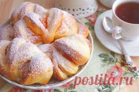 Домашние булочки с тыквенным кремом Сдоба с тыквенным кремом - это что-то новенькое! Домашние булочки с тыквенным кремом Домашняя выпечка к семейному чаепитию. Предлагаю вам, уважаемые