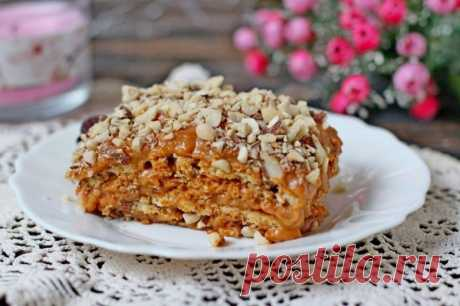 Торт без выпечки с вареной сгущенкой и орехами — Sloosh – кулинарные рецепты