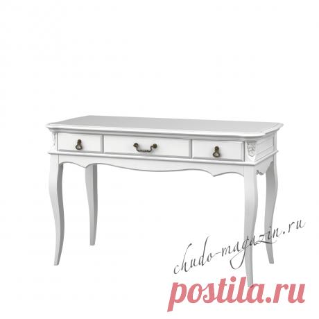 Классический письменный стол с ящиками