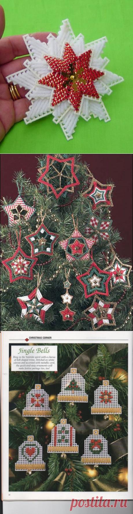Новогодние звёзды из пластиковой канвы