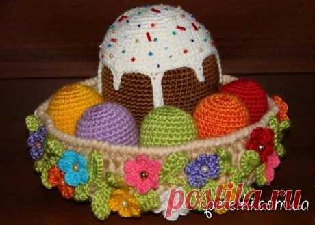 Tejemos a la Pascua. La rosca de Pascua y los huevos por el gancho. La Clase maestra en el vídeo