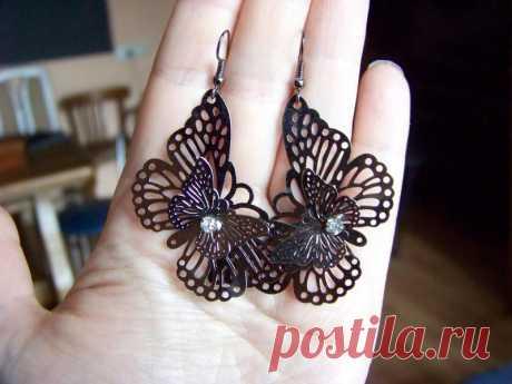 Ажурные серьги-бабочки в серебристо-графитных тонах за 40 грн.   Шафа