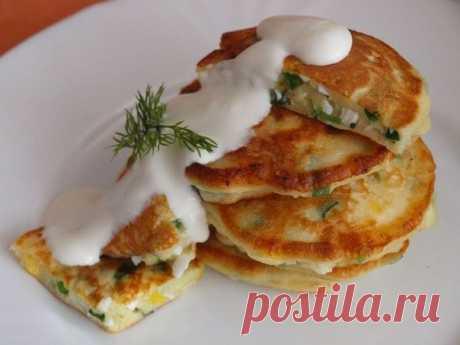 Пышные и вкусные оладушки «Чиполлино» с зеленым луком и яйцом