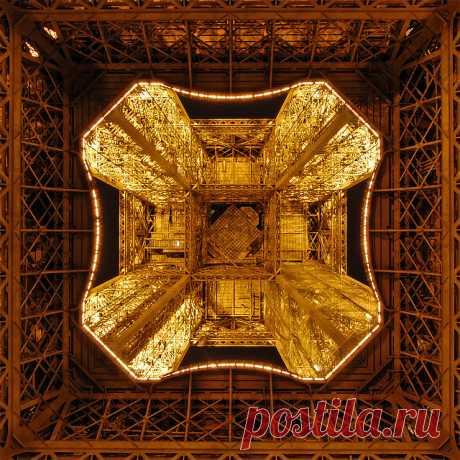 Эйфелева башня: взгляд с непривычных ракурсов