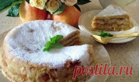 Яблучний пиріг «3 склянки» Пропоную спекти простий яблучний пиріг - жодної метушні з тістом, тому що і тіста (в звичному розумінні) немає. А ще в ньому немає яєць. Незважаючи на те, що печеться пиріг довго, на підготовку потрібно всього