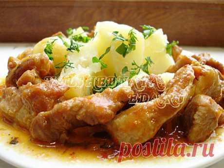 Сочная поджарка из свинины Свиная поджарка традиционно считается будничным, повседневным блюдом, потому что ничего сложного, «ресторанного» и праздничного в нём нет. Поджарка из свинины относится к тому типу блюд, которые принято считать не очень полезными...