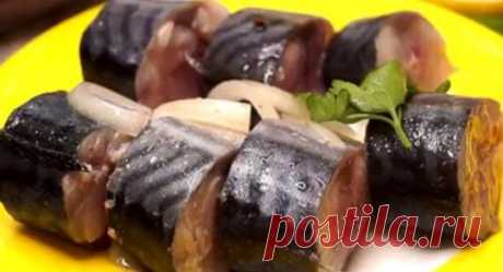 Скумбрия по вкусу, как красная рыба: секретный маринад… Предлагаем вашему вниманию интересный рецепт маринованной скумбрии: она получается по вкусу, как красная рыба. Ее можно будет не только подать на стол с картошкой, но и использовать для приготовления …