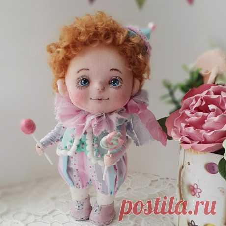 Интерьерные текстильные куклы, очень хороший подарок для создания уюта в доме.