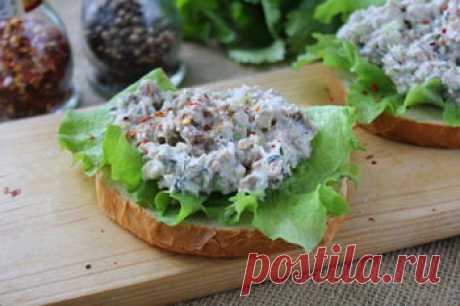 Рецепт салата-намазки с тунцом и сельдереем / Меню недели