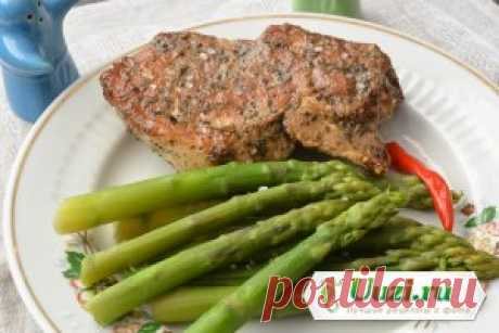 Зеленая спаржа с мясом