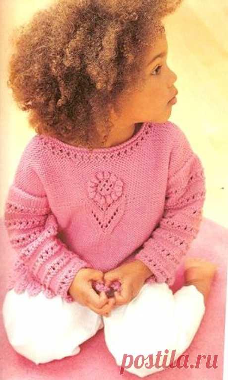 """Ажурный свитер для девочки """"Нежный цветочек"""" Вам потребуется: -300(300:350:350) г пряжи розового цвета - Спицы № 3.75 и 4  Нравится публикация и хотите видеть описания свитеров для девочек почаще? Дайте нам знать! Напишите в комментариях свое мнение! Возраст: б-12 мес."""