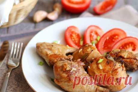 Жареная курица с чесночной заправкой