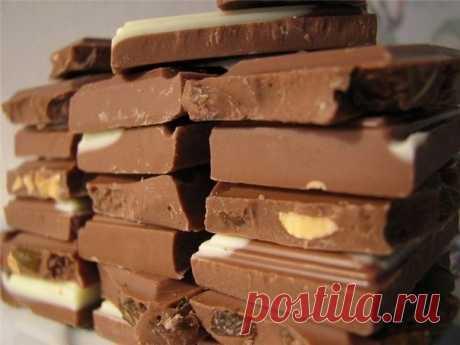 Домашний шоколад Каллорийность на 100г меньше 200ккал какао - 5ст.л. сливочное масло - 50г. сахар - 6-8ст.л. мука - 1ч.л. молоко - 5ст.л. ванильный сахар - 1/4ч.л. молотые орехи или прочие орехи по вкусу и по...