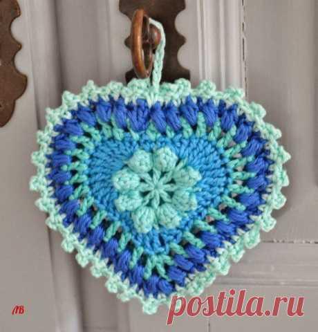 Сердечное вязание, интересная подвеска в копилку мастерицы