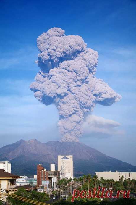 Японскому городу Кагосима, в котором проживают почти 700 000 жителей, грозит судьба Помпей.