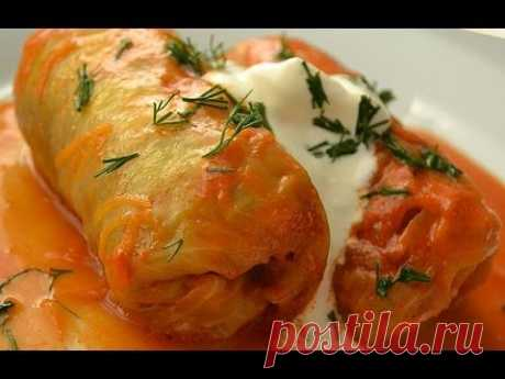 Stuffed cabbage in sauce home-style
