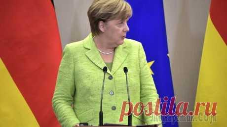 """Меркель порадовалась за Киев, который """"под шумок"""" отдал на откуп МВФ свои земли"""