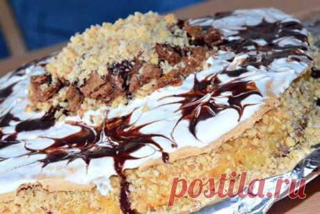 Меренговый торт с молочным кремом, карамелью и орешками рецепт – европейская кухня: выпечка и десерты. «Еда»