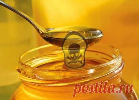 Вреден ли мед при нагревании?   Часто сталкиваемся с мнением, что нагретый мед теряет все полезные свойства, что он вреден и даже опасен для здоровья. Интернет пестрит страшилками про вещество Оксиметилфурфурол, которое выделяется…