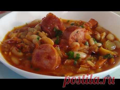 Рагу из фасоли и колбасок (Stew of beans and sausages)