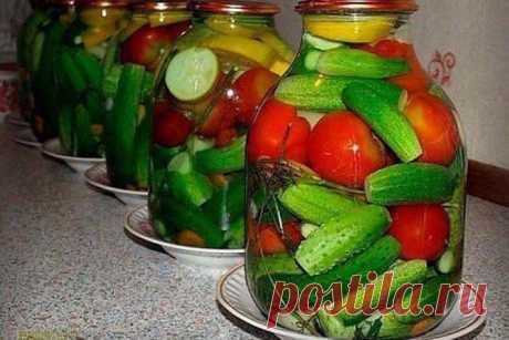 Девочки, нашла очень интересный рецепт овощного ассорти. В прошлом году попробовала - получилось отлично. Вот, делюсь с вами. 🤗