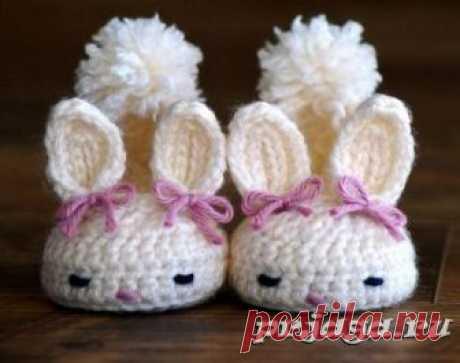 """Las zapatillas infantiles por el gancho \""""las Liebres\"""""""