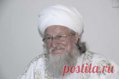 Верховный муфтий, председатель Центрального духовного управления мусульман России Талгат Таджуддин заявил РБК, что пророк Мухаммед не проповедовал месть и ценил прощение, поэтому противоестественно объявлять кого-то врагом.