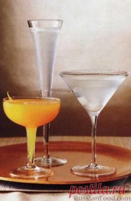 Три коктейля из джина. Из джина можно приготовить множество видов коктейлей. Предлагаю три самых простых коктейля с джином, которые будут популярны на праздниках, особенно новогодних.