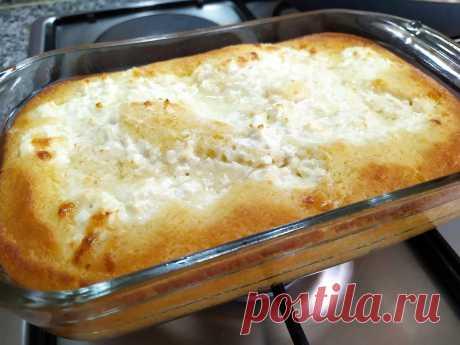 Быстрый и нежный открытый заливной пирог. Попробовала новую начинку - это очень вкусно | Вкусно и полезно | Яндекс Дзен