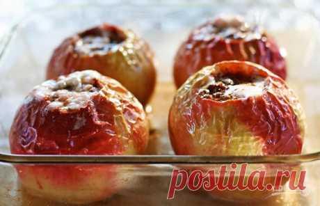 Рецепт запекания яблок в духовке    Печёные яблоки — один из простых и полезных десертов. В плодах содержится пектин и клетчатка. И если в свежих фруктах много кислоты, то в приготовленных нет. Этот рецепт подойдёт многим. Читайте!  …