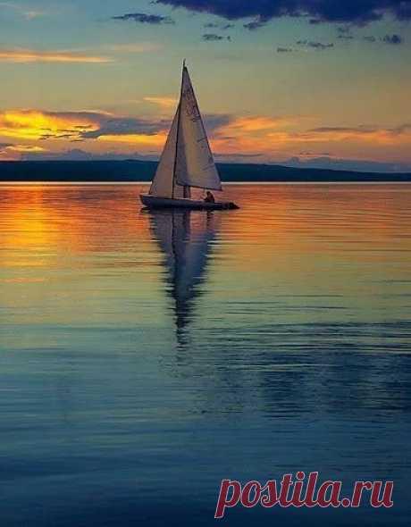 MARAVILLOSO MUNDO El silencio de la belleza...🌹💙💙💙🌹