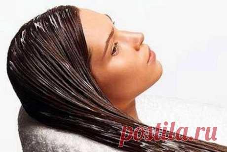 Маска для объема волос: увеличение блеска и пышности в домашних условиях, отзывы / Маска для объема волос Каждая из этих разновидностей действительно помогает увеличить объем локонов, придать им дополнительный блеск, усилить рост и даже остановить выпадение. Выполнение всех этих функций возможно благодаря составу этих продуктов.