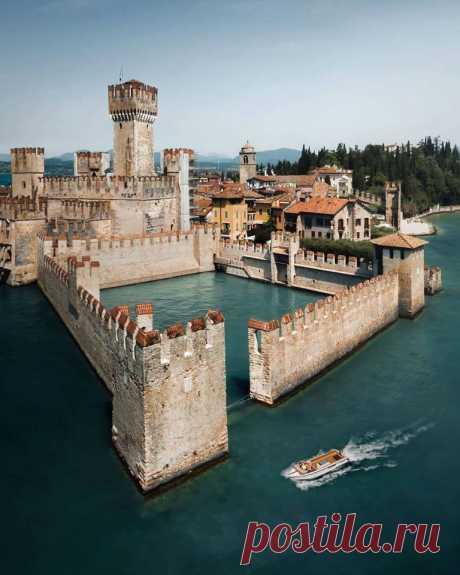 Замок озера Гарда, Италия