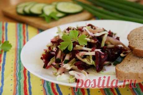 Постный салат с капустой, свеклой и свежими огурцами, рецепт