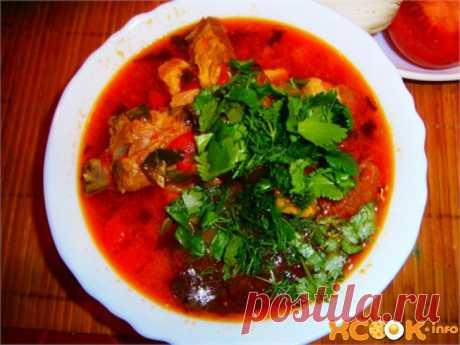 Хашлама по-армянски из свинины и курицы     Хашлама по-армянски– густой наваристыйсупизбаранины,говядиныили, реже,свининыс большим количествомовощей. Подается он как в горячем, так и в охлажденном виде и в последнем случае напоми…