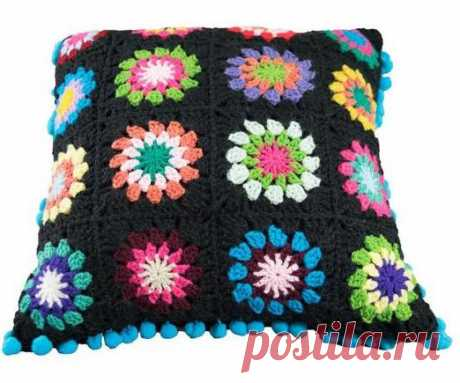 Подушка из цветочных мотивов крючком | Вязание для всей семьи