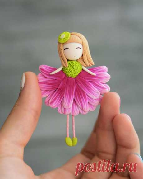 Очаровательные брошки-девочки-цветочки от Татьяны Мохнатовой Купить можно здесь  https://www.livemaster.ru/krasotolyubie