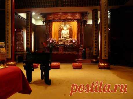 Храм Нефритового Будды в Шанхае (Китай)