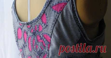 Alabama Chanin: Finished Details  I'm all done with my first Alabama Chanin Camisole top! I love it.   I adored making it and I'm looking forward to finishing my more basic...