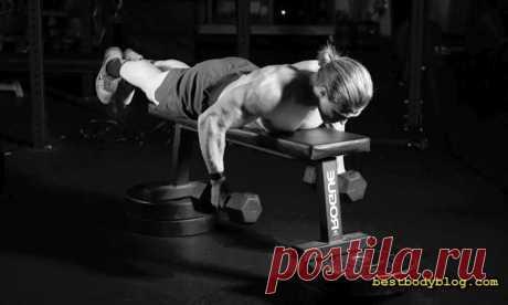 5 упражнений на спину с гантелями в домашних условиях | bestbodyblog.com