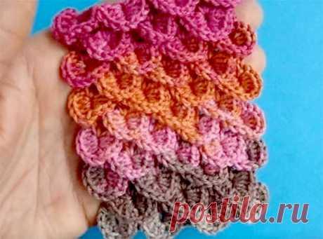 Необычный узор, похожий на чешуйки рыб (Вязание спицами) Применяется в вязании жакетов, свитеров, кардиганов, шапок и как отделка вязаных изделий. А также прекрасно подходит для вязания сумок. Набираем 39 + 2 кромочные петли. 1 ряд: изнаночные петли; 2 р…
