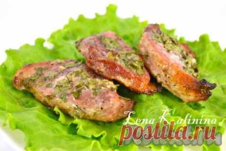Стейки свинины, запеченные в духовке.Необыкновенно ароматное, нежное, очень-очень вкусное мясо!