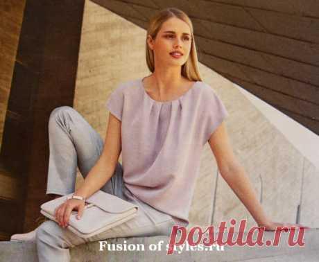 Женская свободная блуза со спущенным плечом | СЛИЯНИЕ СТИЛЕЙ