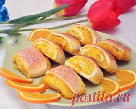 Апельсиновое печенье  Сегодня печем вкусное, полезное, ароматное печенье. В его состав входит апельсин, причем весь – с мякотью, соком и цедрой. Это дает потрясающий аромат! Рецепт простой! Не доставляет хлопот с ингредиентами – они найдутся в любом доме. Показать полностью…