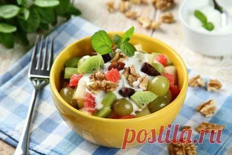 Фруктовый салат с грецкими орехами и йогуртом – пошаговый рецепт с фото.