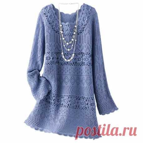 Синее платье на спицах и крючком .
