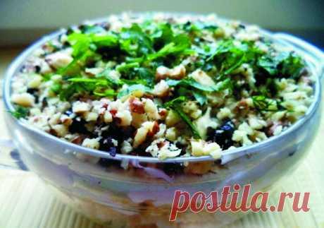 Наслаждение вкусом: салат скурицей ичерносливом Пошаговые рецепты приготовления салата с курицей и черносливом. Рецепты быстрых блюд а так же секреты для изготовления вкусных салатов
