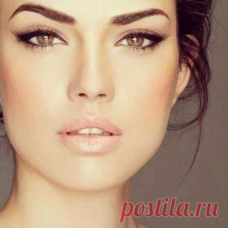 Ideal eyebrows: 7 best natural means | Darling I Dense and wide eyebrows still at the height of fashion. For this reason even those women who have genetically eyebrows not really dense want to achieve natural effect of wide expressive eyebrows. Such eyebrows do eyes by more expressive and emphasize a look. Unfortunately, as well as head hair, hairs of eyebrows become thinner because of influence of direct sunshine and toxins over time. When hairs of eyebrows begin a vyp...